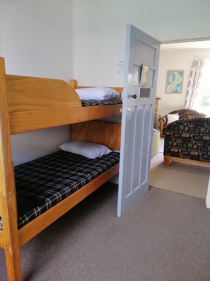 Taylor Lodge - 2 Bed Bunk. Free WiFi.