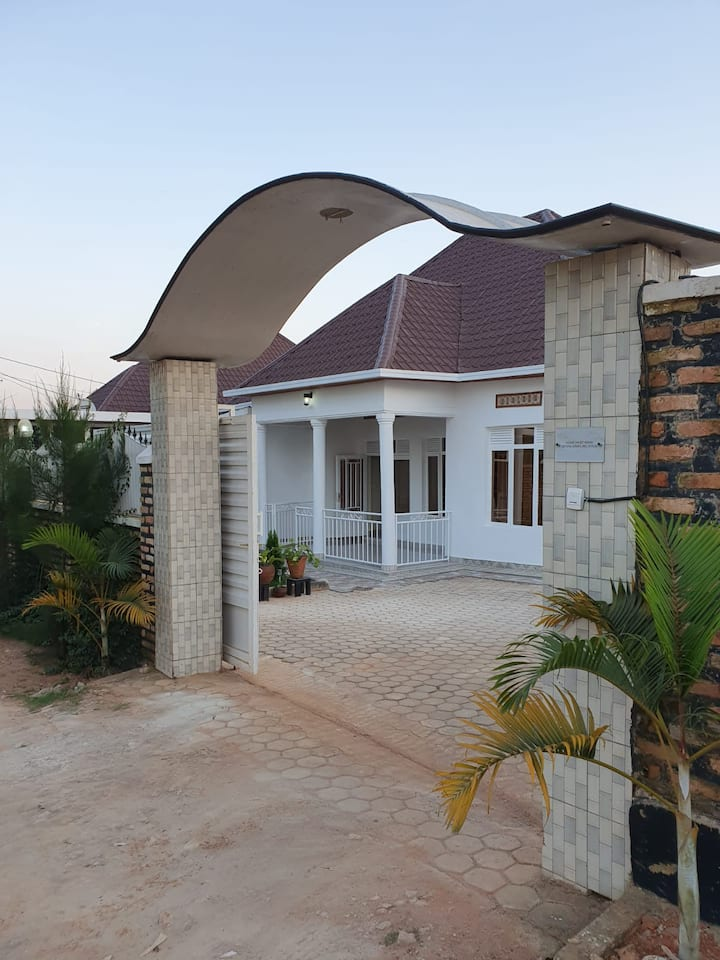 Spacious Airy Home Near Kigali Intl. Airport