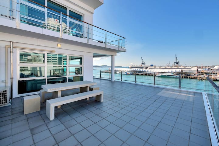 ★Stunning Harbour & City View Studio ★ AIRCON+WIFI