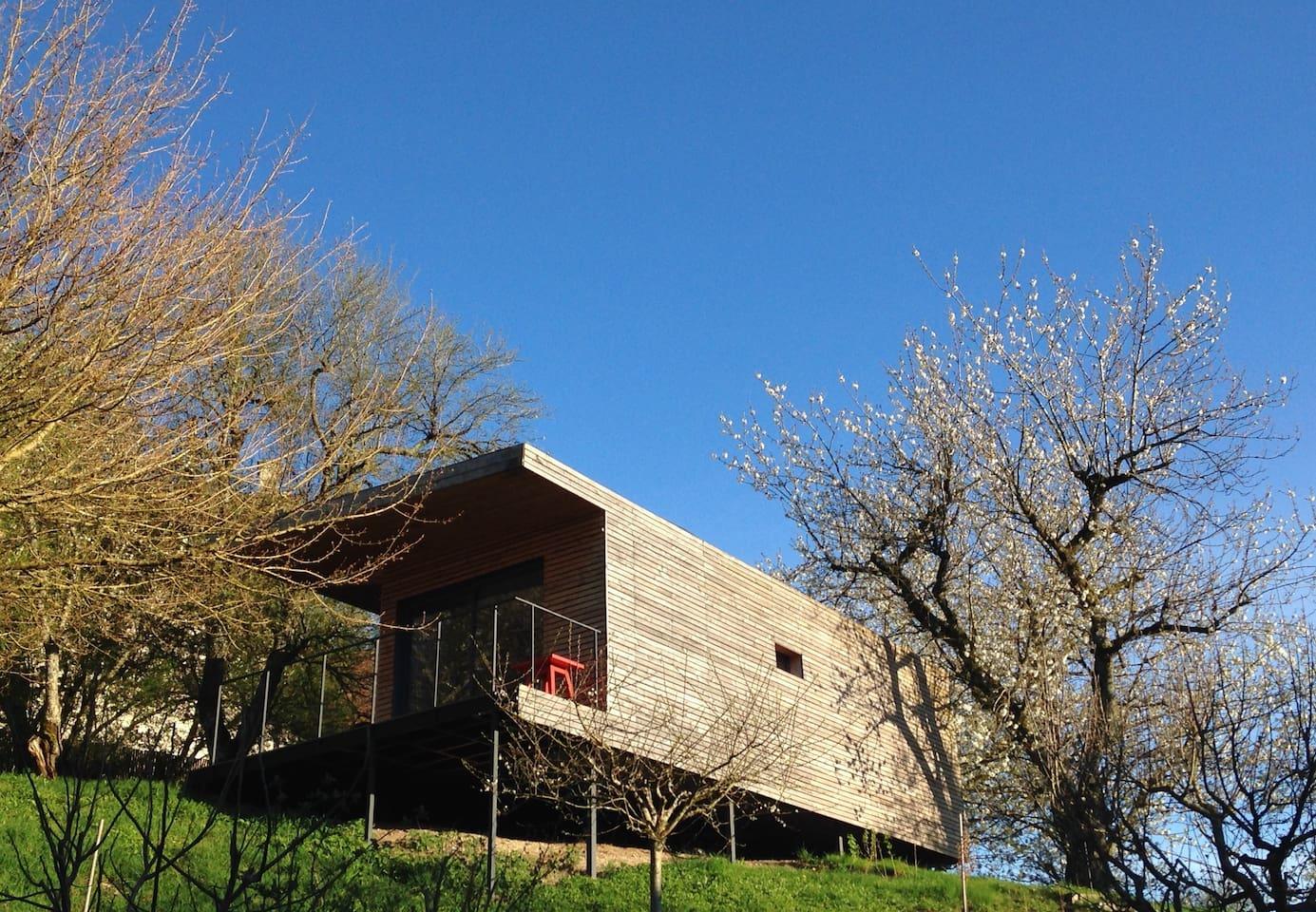La Maison Perchéeen haut du verger