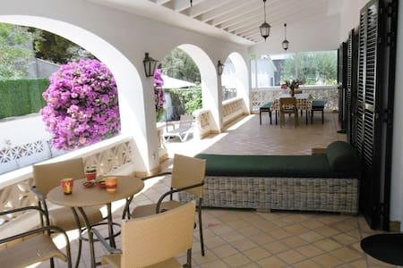 5 bedroom, 4 bathroom villa - Pollença