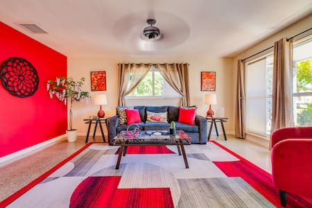 #1 ❤️ Spacious 1BR apt with All New Furniture