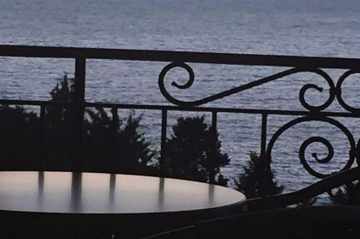 Студио с балконом+1 спальня. Studio with sea view - Dobra Voda
