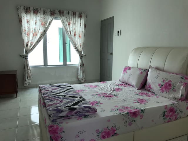 Master Room1 4rent @Setia Residen, gated & guarded