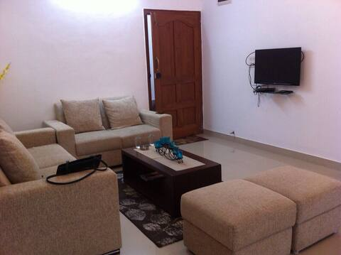 Spacious 3 Bedroom Apt for 6 near MG Road