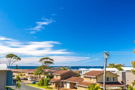 Beach Townhouse  in Mollymook - 莫利姆克 (Mollymook) - 公寓