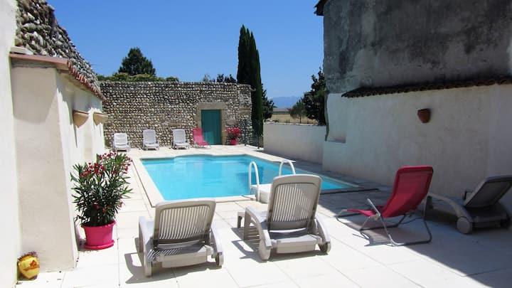 Gîte La Provence, 140m² avec 3 chambres et 3 sdb