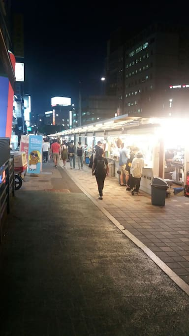 The most biggest night market operating 24hour. Food is 3 dollars