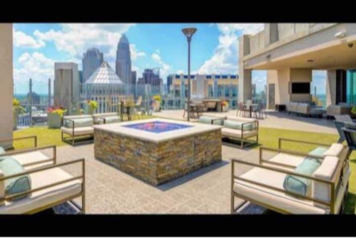 Beautiful 1bed 1bath Located in Uptown Charlotte