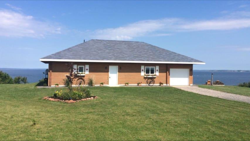 Prince Edward Island Oceanfront Cottage
