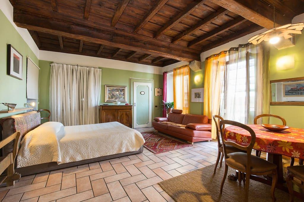 verdeblu sur les jardins et sur le lac chambres d 39 h tes louer verbania suna piemonte italie. Black Bedroom Furniture Sets. Home Design Ideas