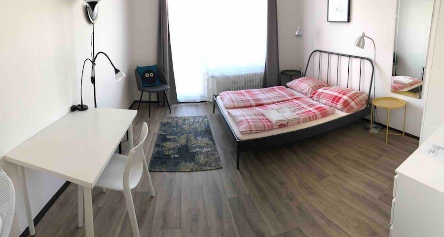 Room for 2 near National Muzeum