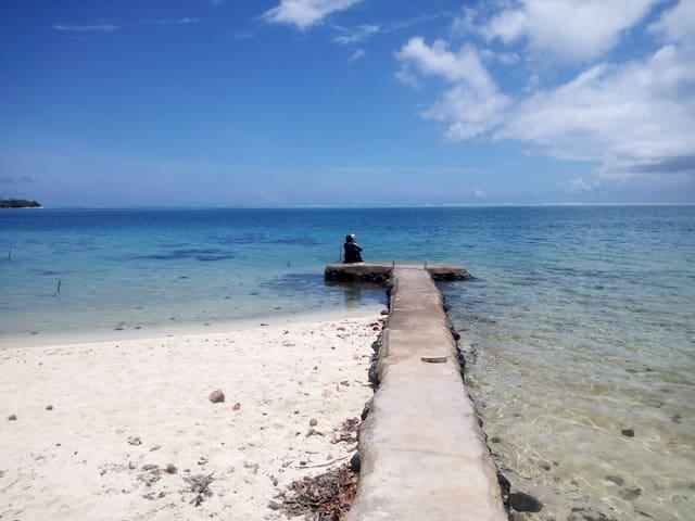 Chez Vetea en bord de mer sable blanc