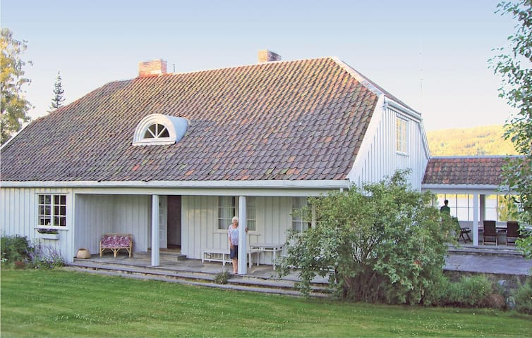 Holiday cottage with 3 bedrooms on 168 m² in Hov