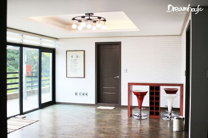 Lovely two-story house near ICN airport #2 - Jung-gu