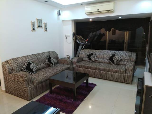 Furnished 02  BHK Near Goregaon Exhibition Nesco