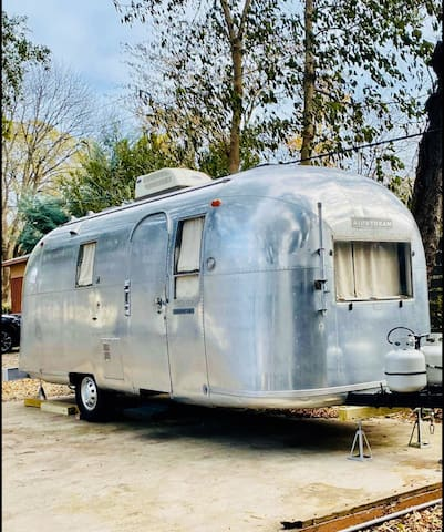 Vintage 1966 Airstream In Downtown Columbia