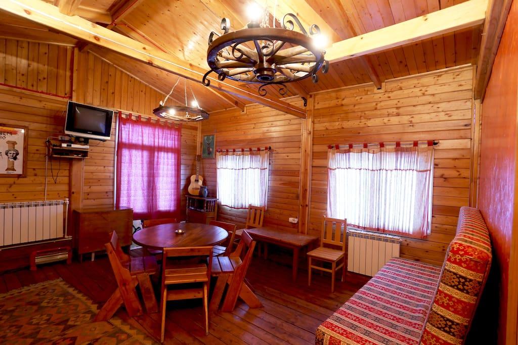 Chalet (Daravand Guest House)