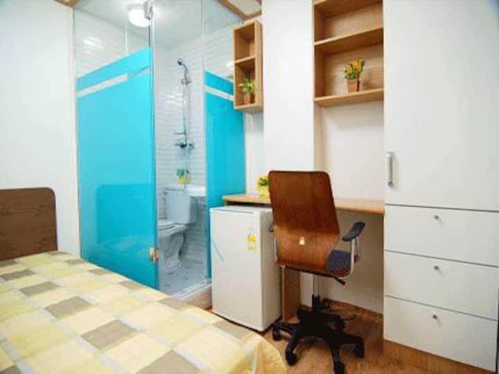 small single room2 (including bath)