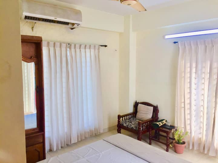 2bed room full furnished comfortable apartment.