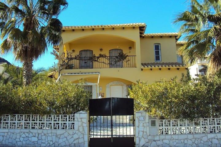 Maravillosa casa individual en Cala Panizo