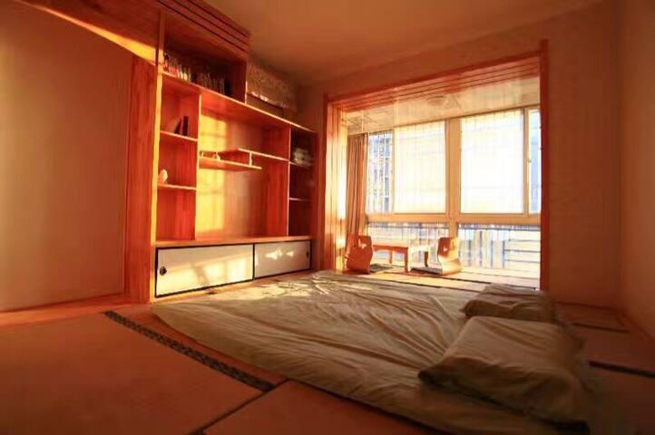 北京密云城区带榻榻米大投影两居室,交通方便,周边生活设施齐全,冬暖夏凉 - 北京 - Flat