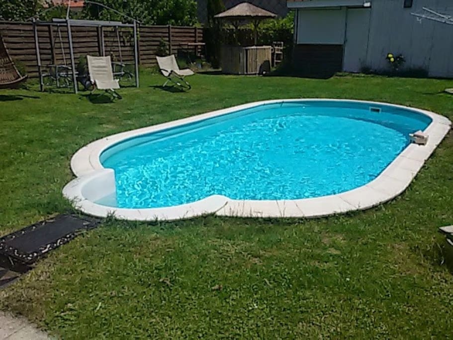 Chambre privee b b piscine a castres houses for rent in for Piscine mazamet