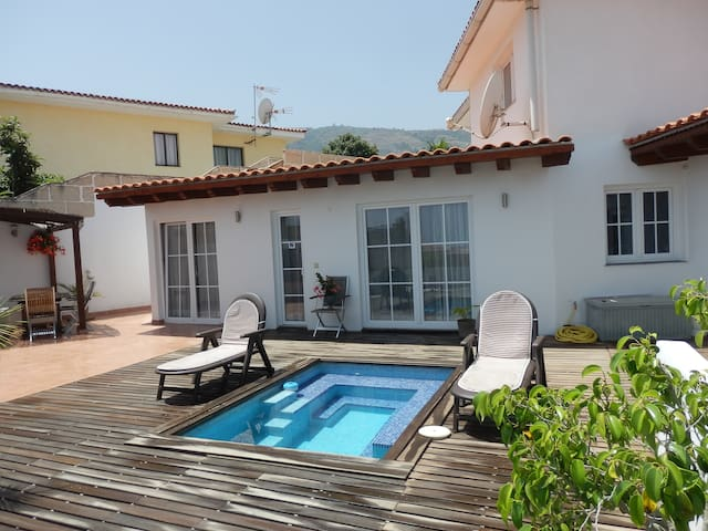 Casa Mar with ocean view and private pool and wifi - La Orotava - Radhus