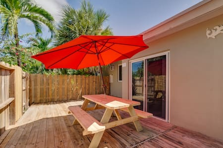 Brand New! Close to Beach and Restaurants!
