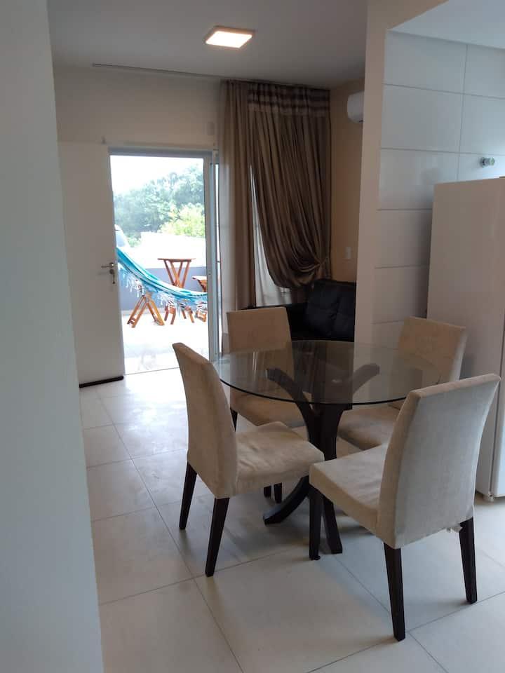 Apartamento em frente a praia da pinheira