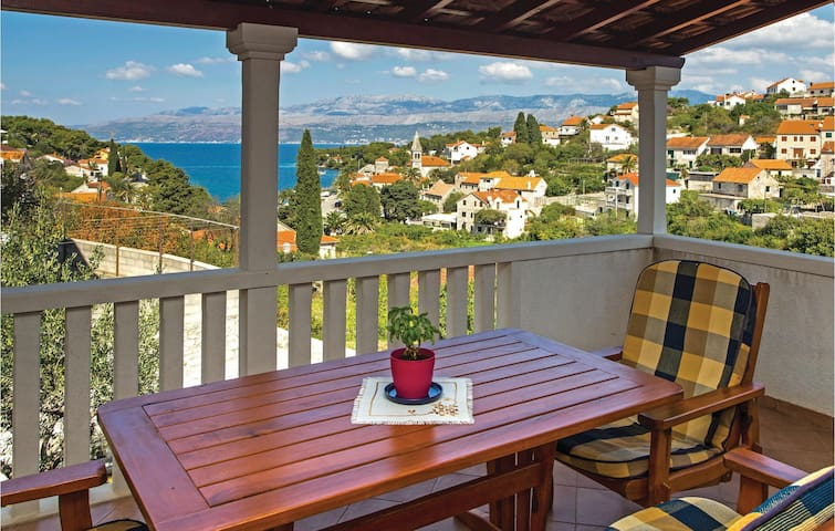 Holiday apartment with sea view - Splitska, Kroatien
