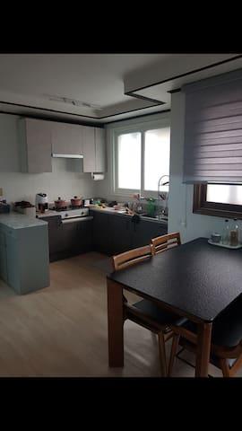 보문역(Bomun station)집 한 채/ 2 rooms