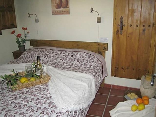 Bedroom 1 - Queen sized bed