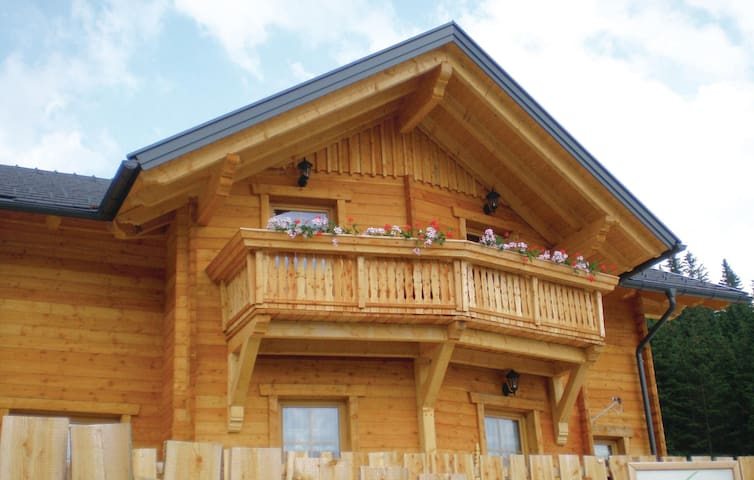 Holiday cottage with 5 bedrooms on 180 m² in Schönberg Lachtal