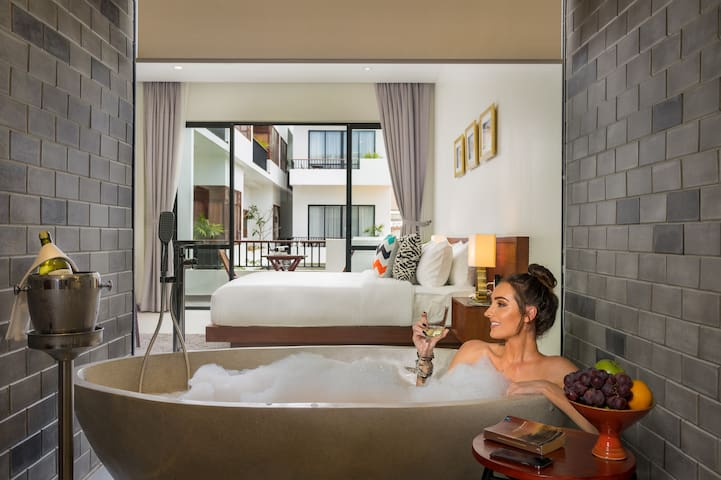 Luxury Room, Pick-up and Breakfast