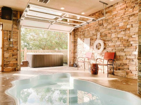 Mountain Splash- heated indoor pool, hot tub, arcade/game room