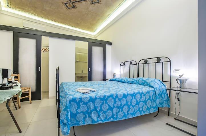 La stanza degli affreschi - Corigliano Calabro - Bed & Breakfast