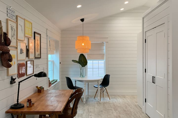 Newly Built Designer's Cottage in Tampa
