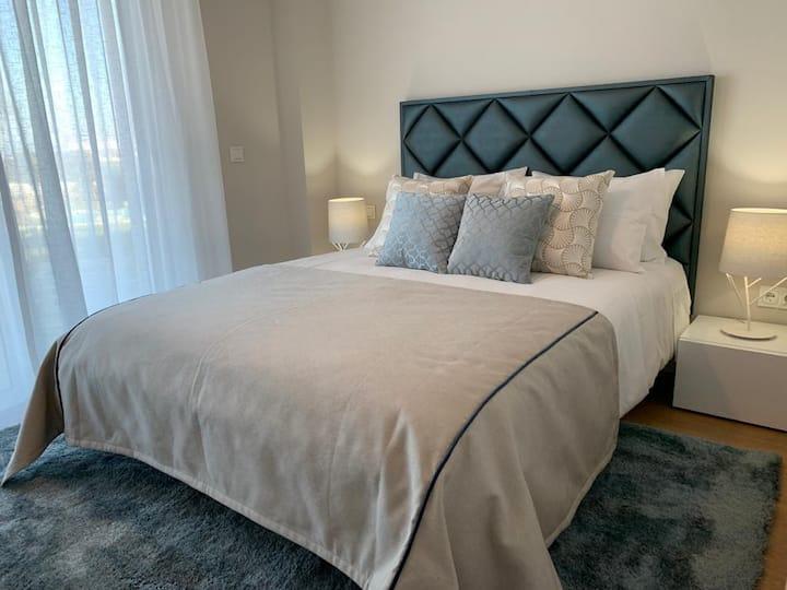 Stunning stylish, Modern apartment newly furnished