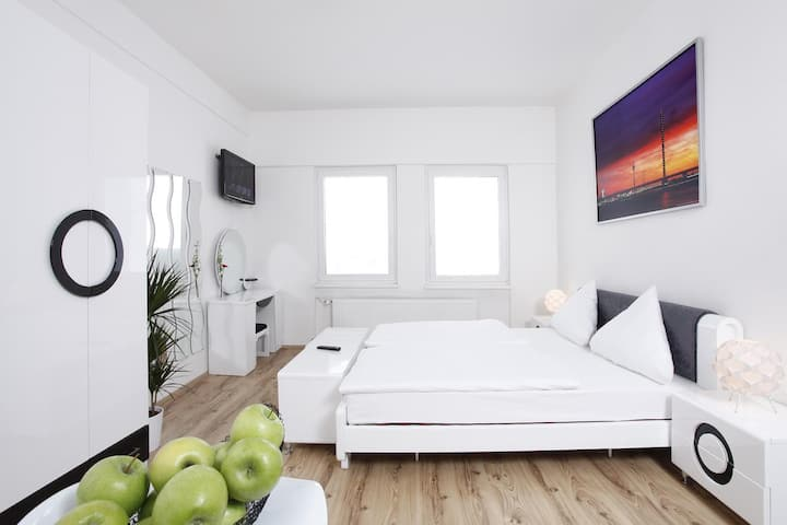 Apartment Düsseldorf Altstadt for 6 Person