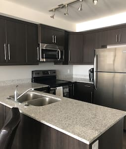 Beautiful Modern Condo in central location!