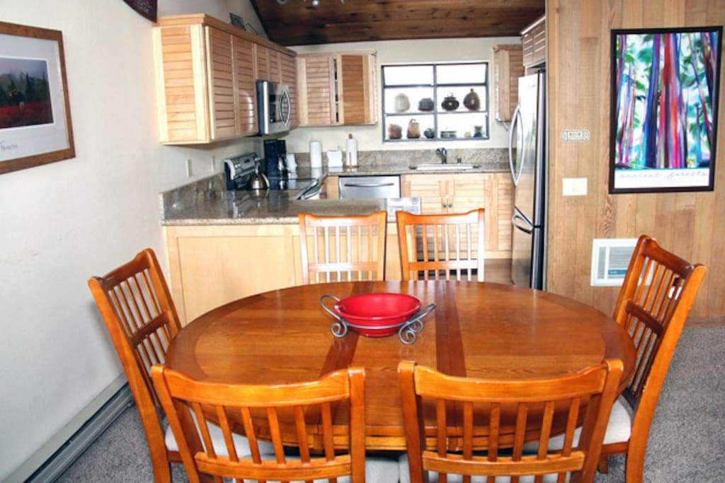 Mammoth Lakes Rental Woodlands 31 - Dining Area Seats 6 and Kitchen