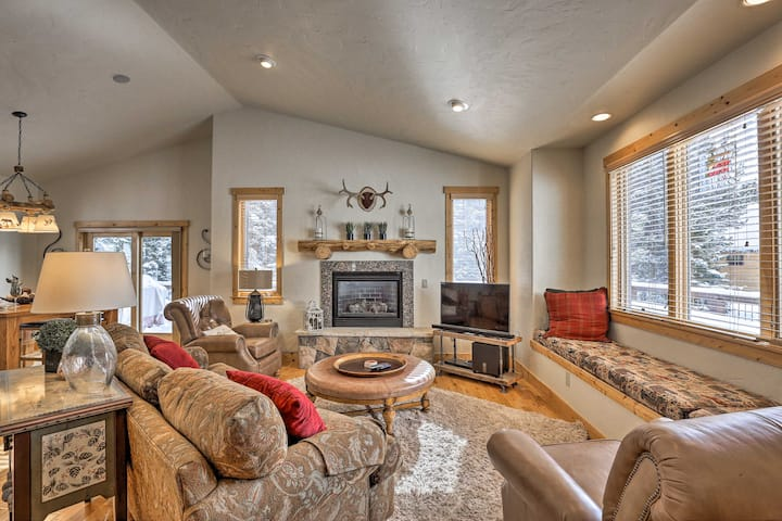 NEW! Upscale Breck Home, 9Min to Main St & Slopes!