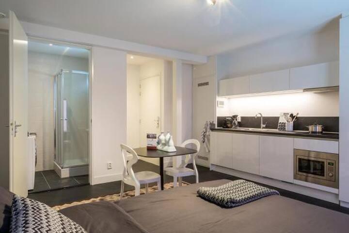 Luxury Studio for 2 in CITY CENTER 35m2