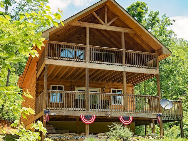Log Cabin in Smoky Mtns. Pets Wifi - Sevierville