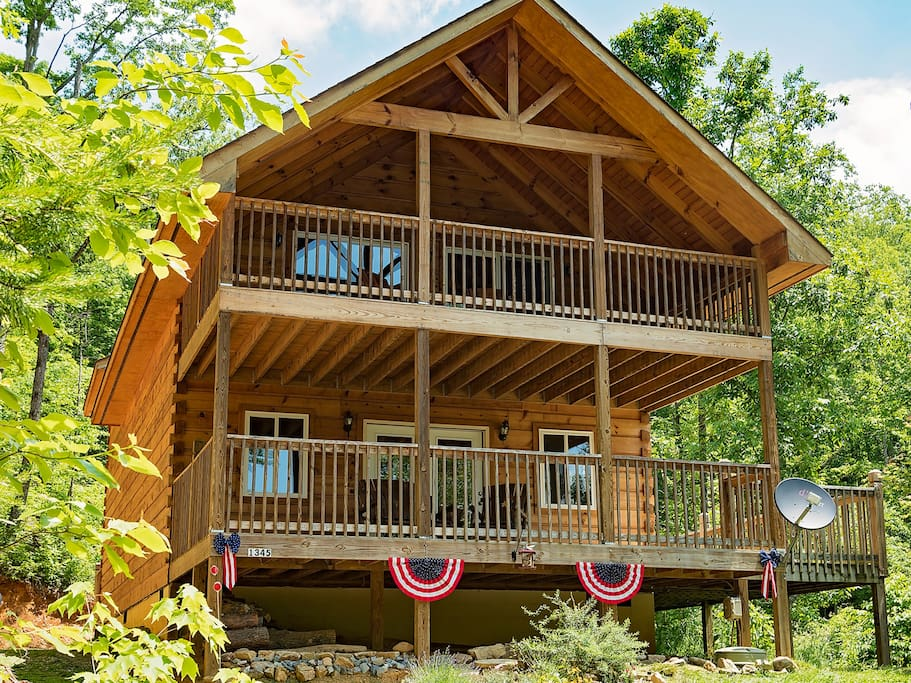 Log cabin in smoky mtns pets wifi cabins for rent in for Smoky mountain tennessee cabin rentals