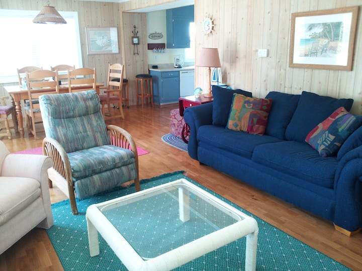 BEACH BARN mp 10.5 including YMCA privileges!