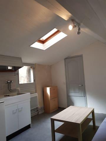 Vieux Montluçon petit studio