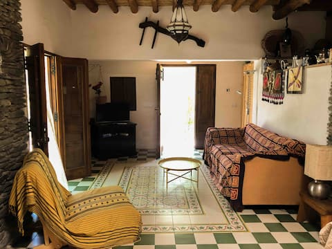 A beautiful traditional home in Juviles