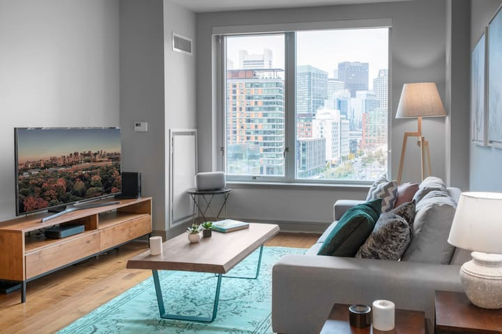 Stately Seaport 1BR, w/ Pool, Gym + Roof Deck, by Blueground